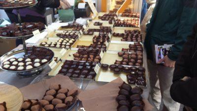 Stojnice so polne najrazličnejših sladkih pregreh. Foto: A.D.