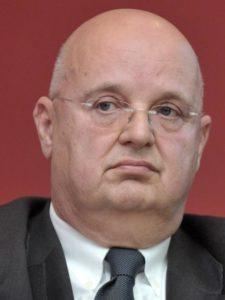 Jurij Detiček, finančni guru, ki očitno ve, zakaj je dobro biti lastnik Mladine (slika: STA)