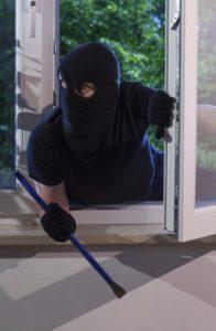 Ustrezno zavarujte tudi hiše in stanovanja (foto: iStock).