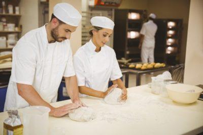 Veliko pekov se srečuje s sindromom zapestnega prehoda (foto: iStock).