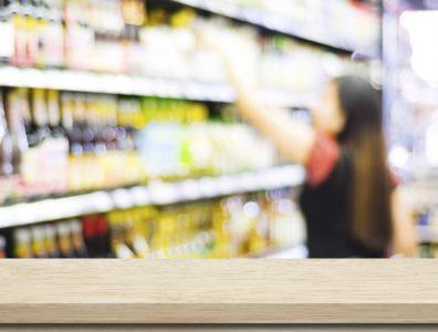 Že zlaganje artiklov na police lahko slabo vpliva na zdravje (foto: iStock).