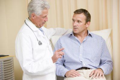 Obisk moškega pri zdravniku mora v družbi postati nekaj normalnega (foto: iStock).