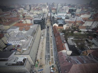 Zaprtje Slovenske ceste (foto: STA).
