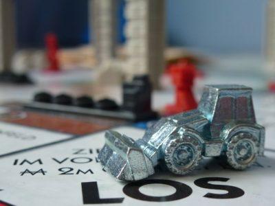 Monopoly, figurica. Foto: Pixabay