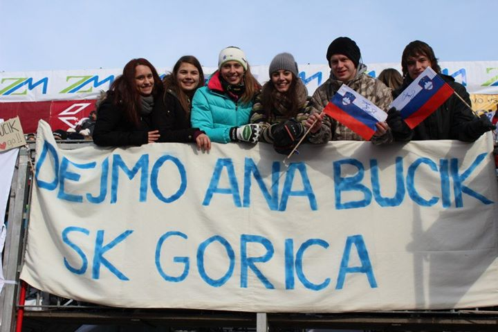 Ana Bucik skupaj s svojimi navijači na Zlati lisici pred tremi leti (foto: facebook).