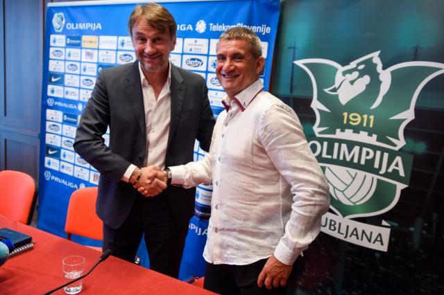 Športni direktor Olimpije Ranko Stojić in Marijan Pušnik na prvi novinarski konferenci (foto: sta).