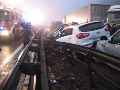 V verižni prometni nesreči je trčilo 66 vozil (foto: STA).