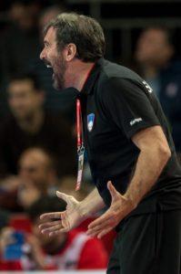 Veselin Vujović je ob igrišču vedno zelo temperamenten (foto: epa).