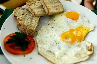 Jajca - izvrsten vir beljakovin (fott: STA).
