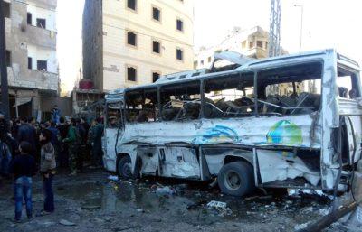 Bombni napad na Damask v Siriji (foto: epa).