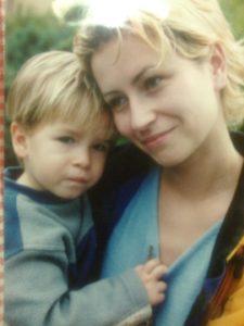 Mamica Vesna in mali Matija (foto arhiv: V. V.)