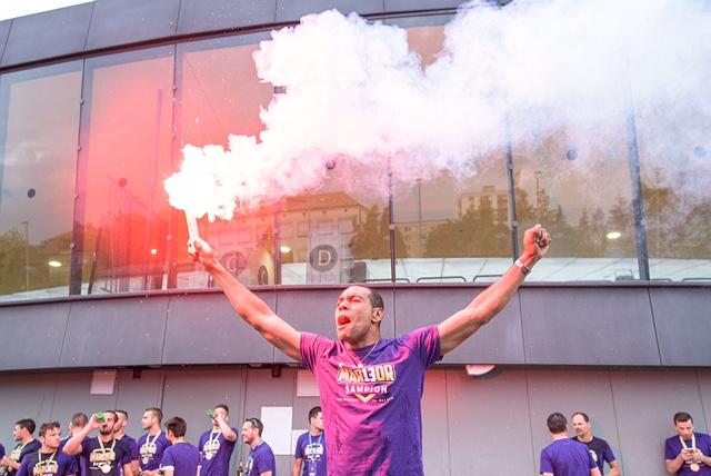 Tavares je pravi kapetan z vijoličastim srcem (foto: facebook).