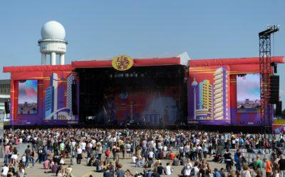 Festival Lollapalooza na letališču Tempelhof (foto: epa).
