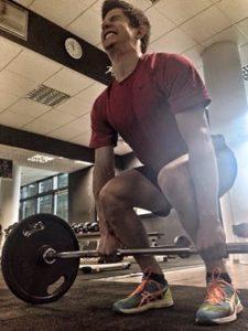 Dvigovanje uteži je del treninga (foto: facebook).