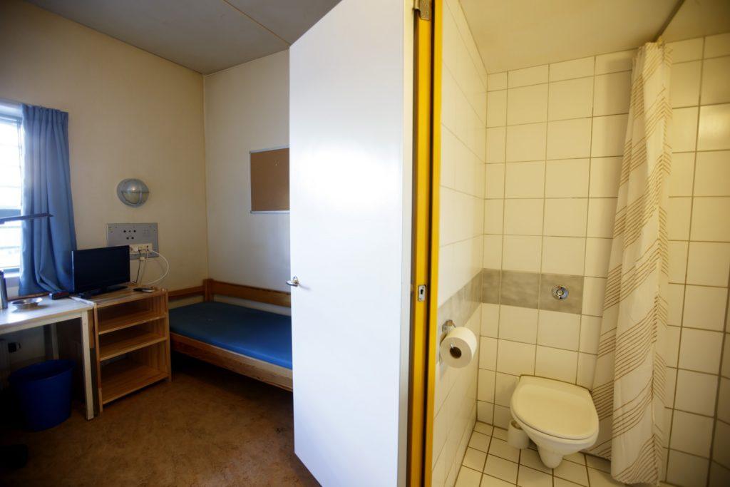 Soba v zaporu, kjer je bil zaprt Breivik (foto: epa)