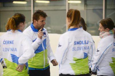 Nasveti trenerja pred pričetkom tekme (Foto: Urban Cerjak)