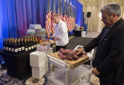Predstavitev Trumpovega vina in mesa letos na Floridi (foto: epa)