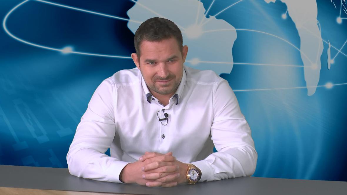 Rok Snežič, strokovnjak za slovensko in tujo davkarijo. Doktor davčnih utaj in Martin Krpan, ki na sodiščih dobiva bitke z državo. Foto: Nova24TV