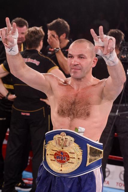 Dejana Zavec je Slovence spet navdušil za boks (foto: sta).