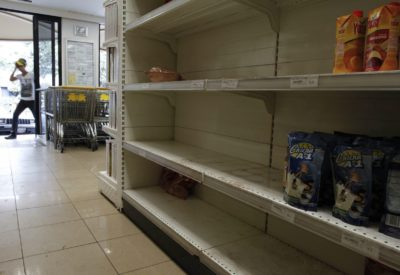 Prazne police venezuelskih trgovin (Foto: epa)