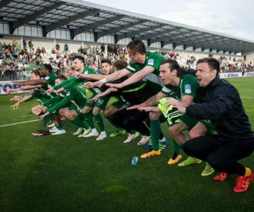 Sedaj že znamenito proslavljanje zmage, bi jutri prineslo Olimpiji naslov državnih prvakov (foto: NK Olimpija).