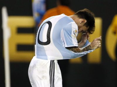Messi je svoj strel iz bele točke poslal preko vrat. Foto: epa