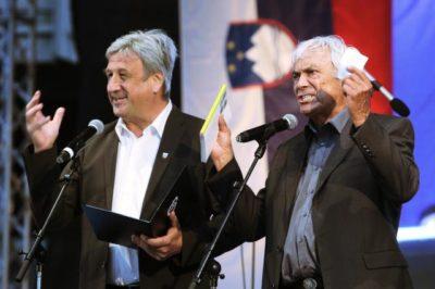 Roman Končar (levo) na proslavi ob dnevu državnosti na Trgu republike v Ljubljani (foto: STA)