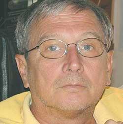Andrej Kocuvan, predsednik združenja sodnih cenilcev gradbene stroke in funkcionar SD v Mariboru, do leta 2002 tudi svetnik SD v mestnem svetu MO Maribor, ki je bil gonilna sila in koordinator ocenjevalne ekipe.