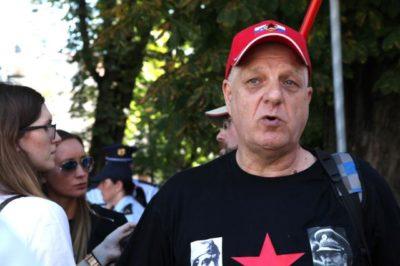 Igor Bricelj protestira proti navideznim ukrajinskim fašistom, Foto: STA