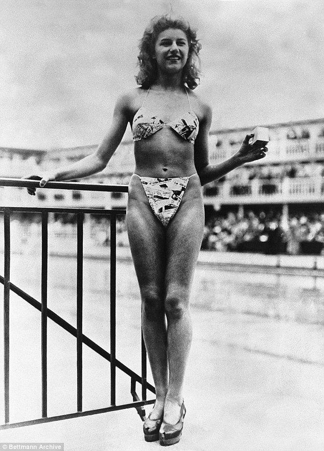 Prvo poziranje v bikiniji z Michele Bernardini