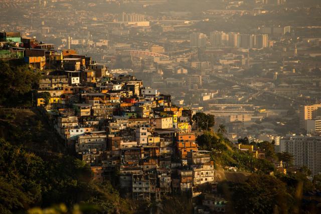 Favela, najrevnejši predel mesta (foto: STA)