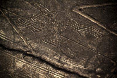 Znanstveniki nimajo odgovora, kdo je ustvaril te vzorce v Peruju. Še vedno dopuščajo tudi možnost, da so bili na delu Nezemljani. Foto: iStock
