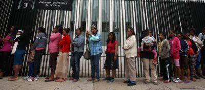 ZDA se bo sprejeti odločitev deportacija ali izničenje postopka pridobitve državljanstva. Ministrstvo za pravosodje še tehta ali gre za namerno goljufijo navkljub lažnim podatkom migrantov in pomanjkljive baze s prstnimi odtisi. foto STA