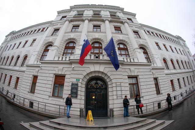 Izgubljene oporoke - trn v peti slovenskih sodišč 1
