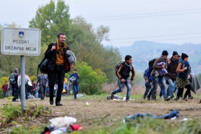 Lahko spor med Klemenčičem in Györkös Žnidarjevo ogrozi varnost Slovenije 2