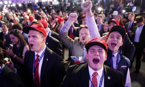 Veselje v taboru Republikancev.