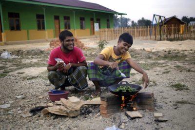 Foto: epa, begunci Rohingja v Indoneziji