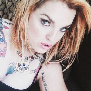 Še en od njenih videzov. Foto: instagram