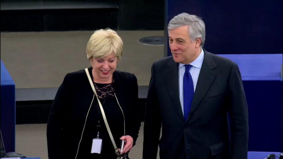 Romana Tomc in Antonio Tajani.