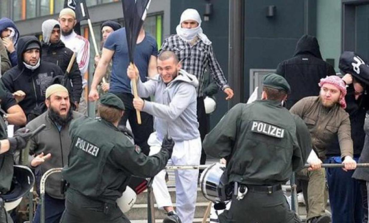 Резултат слика за мигранти у шведској