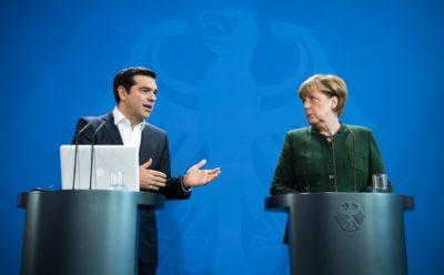 Izgleda, da Angela Merkel bleferju iz Grčije št. 1 Ciprasu ne verjame kaj preveč. Foto: epa