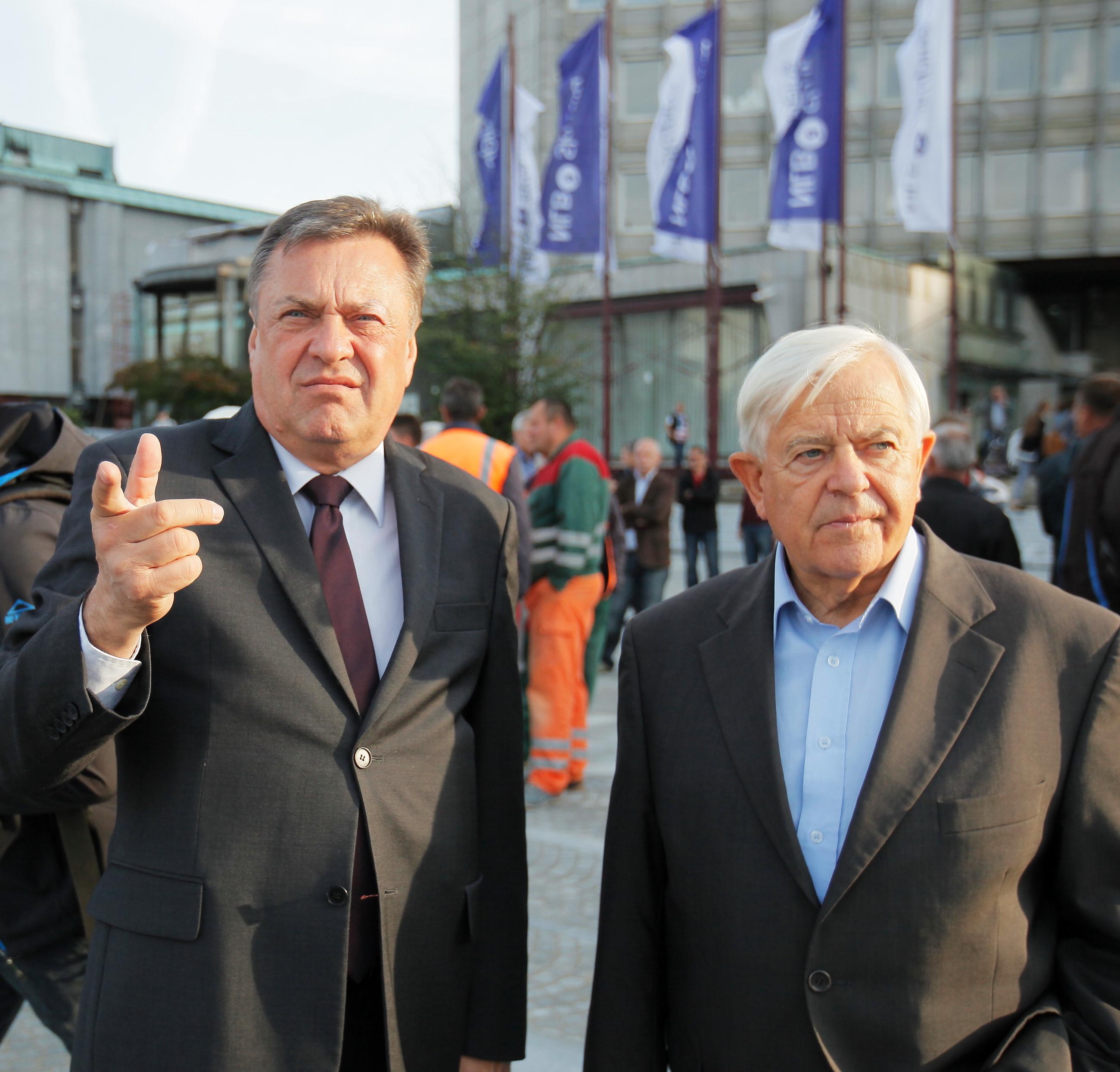Ali zaradi svojega političnega angažmaja Zoran Jankovića proti Janezu Janši je večno pravniško in kazenko zaščiten v krogih Milana Kučana ( Foto: STA)