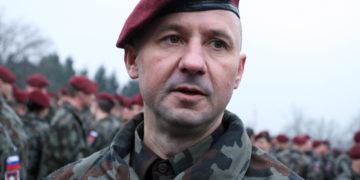 Težave Gvida Novaka so se začele, ko se je javno postavil na stran brigadirja Miha Škerbinc ob njegovi nezakoniti razrešitvi iz mesta poveljstva slovenskih vojaških sil.(Foto: STA)