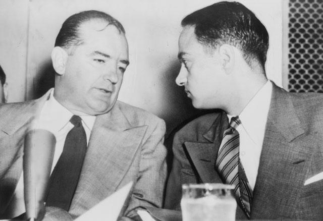 Joseph McCarthy je s svojo komisijo odkrival člane in simpatizerje komunistične partije v Hollywoodu (Foto: Facebook)