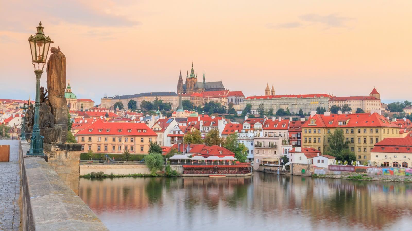 Praga je postala ena najbolj dinamičlnih evropskih prestolnic, Češka pa padcu komunizma zgodba
