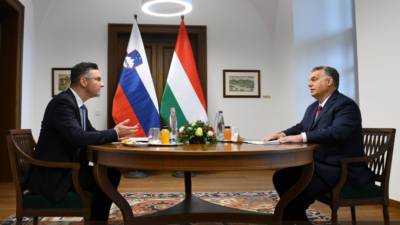 "Ali se je Marjan Šarec opravičil madžarskemu premieru Viktorju Orbanu o bajki o ""Janezu in Istvanu"". (foto: Twitter)"