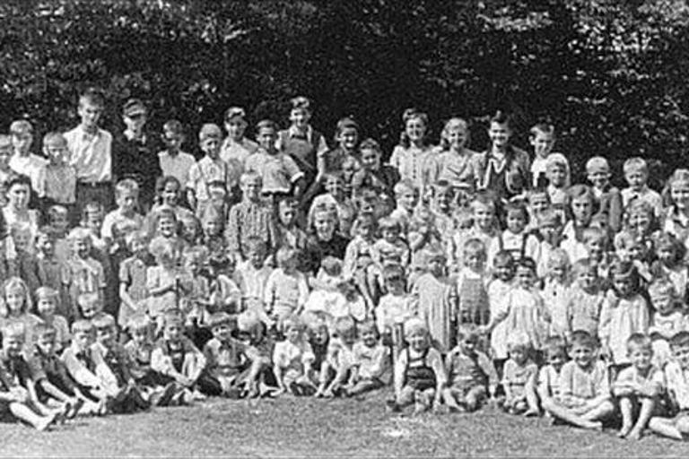 Otroci s Petrička. (vir Youtube)