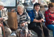 Upokojenci in invalidi bodo predvsem po zaslugi Slovenske demokratske stranke lahko imeli brezplačni javni prevoz. (twitter)
