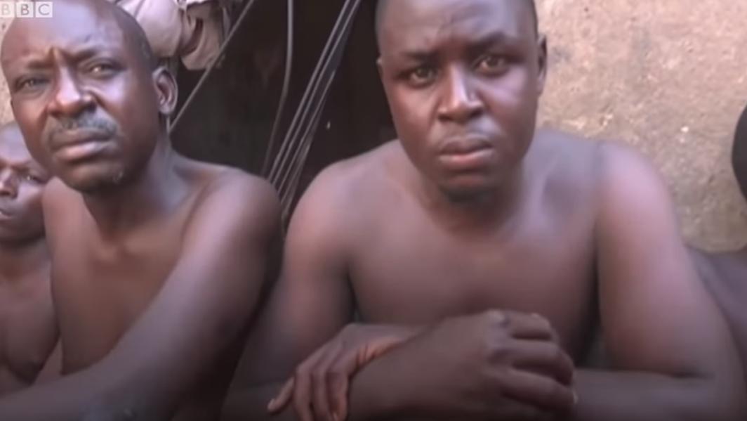 Rešene zlorabljeni nigerijski moški. ( vir Youtube)