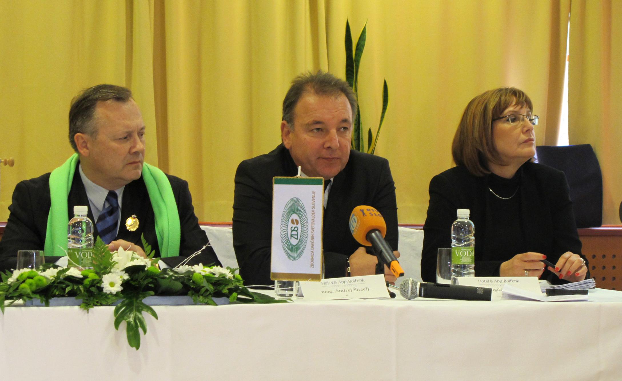 Zoran Dernovšek, Andrej Šircelj in Brigita Čokl (Foto: STA)